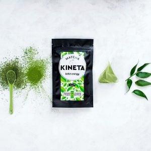 matcha tea powder and green tea powder