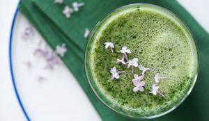 Matcha-Tea-with-flowers