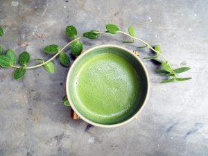 whisked-matcha-tea-powder